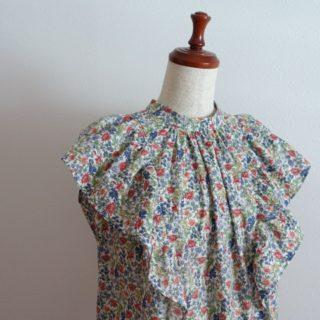 今、着たいシャツ&ブラウスより、フリルブラウス作りました